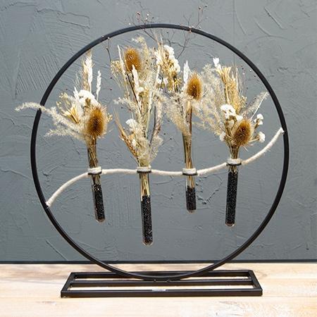 Cercle noir fleurs séchées